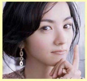 【東京タラレバ娘】榮倉奈々のネイルを真似たい!可愛いピアス画像
